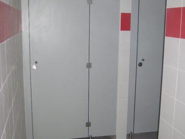 Cabines Fenólicas, Divisórias Fenólicas - Porta Baia