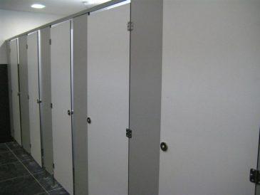 Cabines Sanitárias Fenólicas e Mictórios - Base Aérea Nº de Sintra