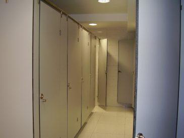 Cabines Sanitárias Fenólicas, Mictórios e Bancadas
